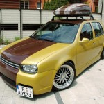VW Golf MK IV with brown stripe – Martin Arnold