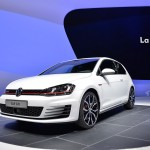 2014-Volkswagen-Golf-GTI-Front-Angle