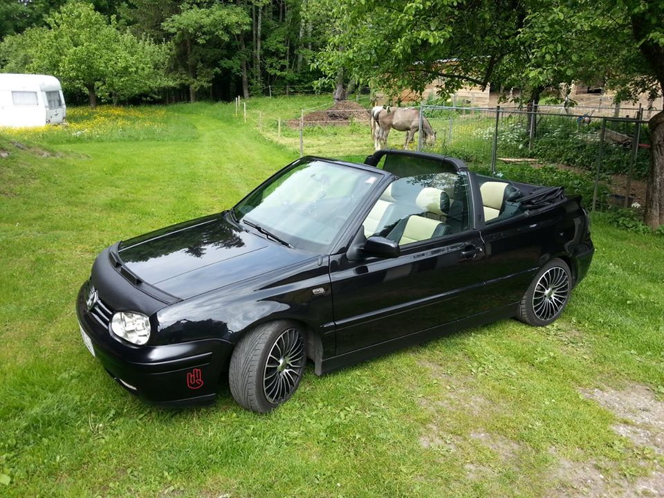 black volkswagen golf mk3 cabrio chriss state vw golf tuning. Black Bedroom Furniture Sets. Home Design Ideas