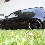Black-Volkswagen-Golf-MKIV