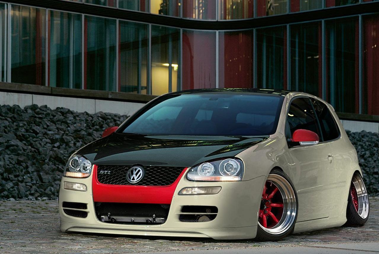 Custom_VW_Golf_mk5_GTI