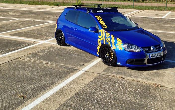 Outstanding-blue-Volkswagen-Golf-R32