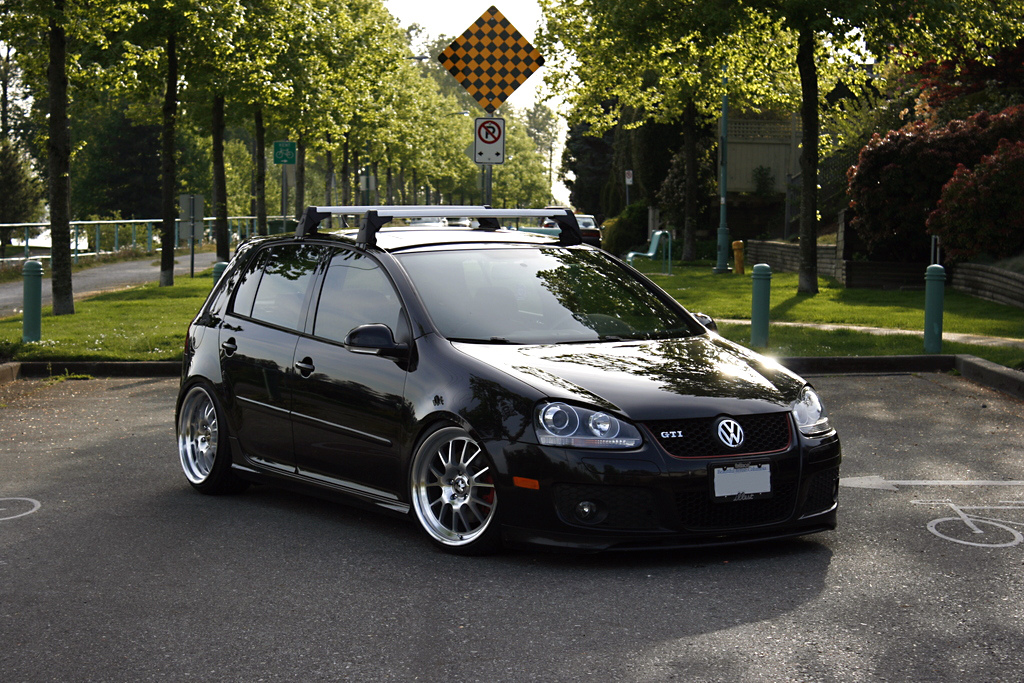 VW-MK5-GTI-on-Klutch-Wheels-SL-14