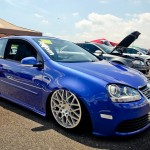 Blue VW Golf Mk5 R32 on Rotiform BLQ wheels