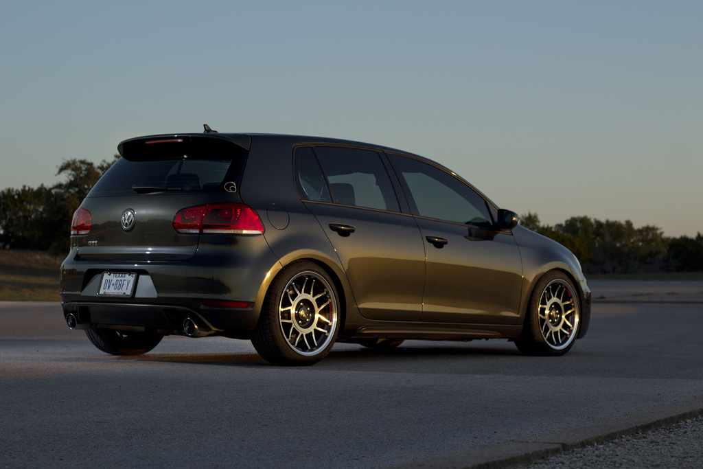 black-mk6-gti-silver-wheels