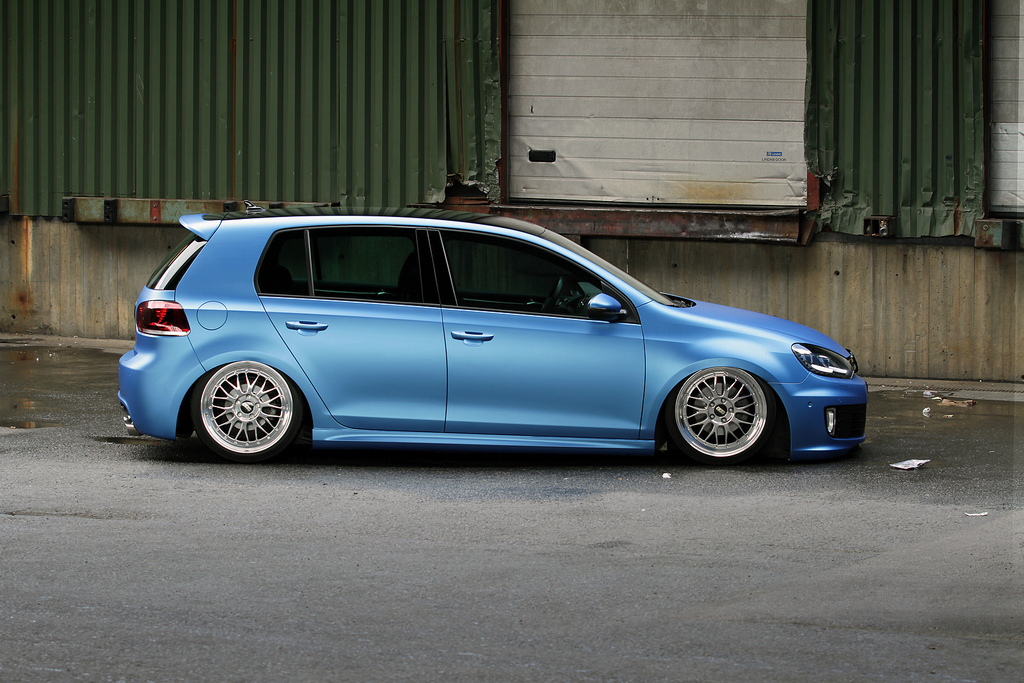 blue-metallic-golf-mkVI
