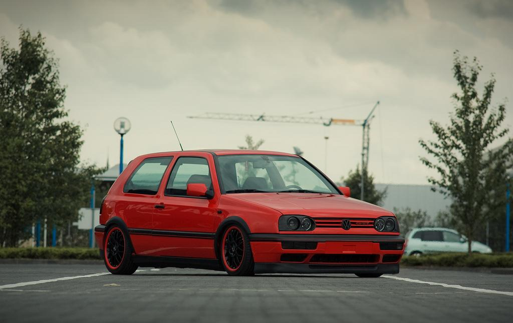 red-black-vw-golf-mk2-gti