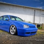 Blue VW Golf Mk4 on Mercedes rims