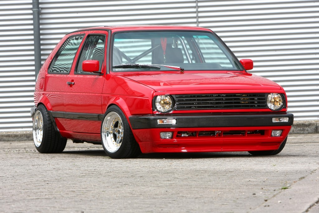 red vw golf mk2 on extreme chrome wheels vw golf tuning. Black Bedroom Furniture Sets. Home Design Ideas