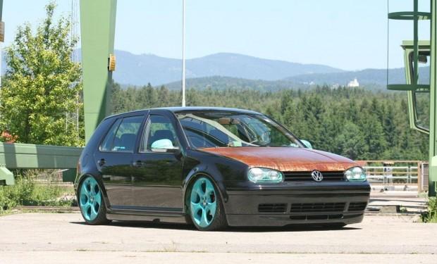 Vw Mk4 With Rusted Hood On Vw Gti Wheels Vw Golf Tuning