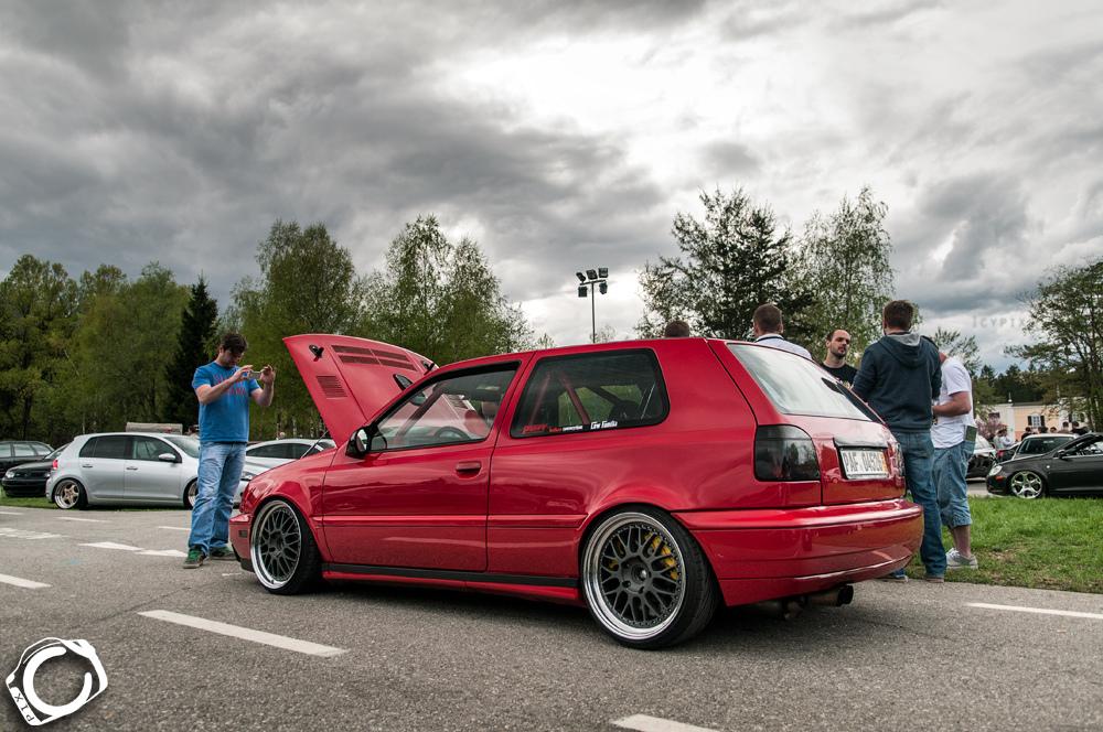 vw-golf-mk3-red-black-wheels