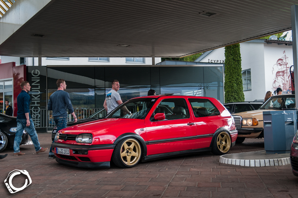 vw-golf-mk3-red-golden-5star-wheels