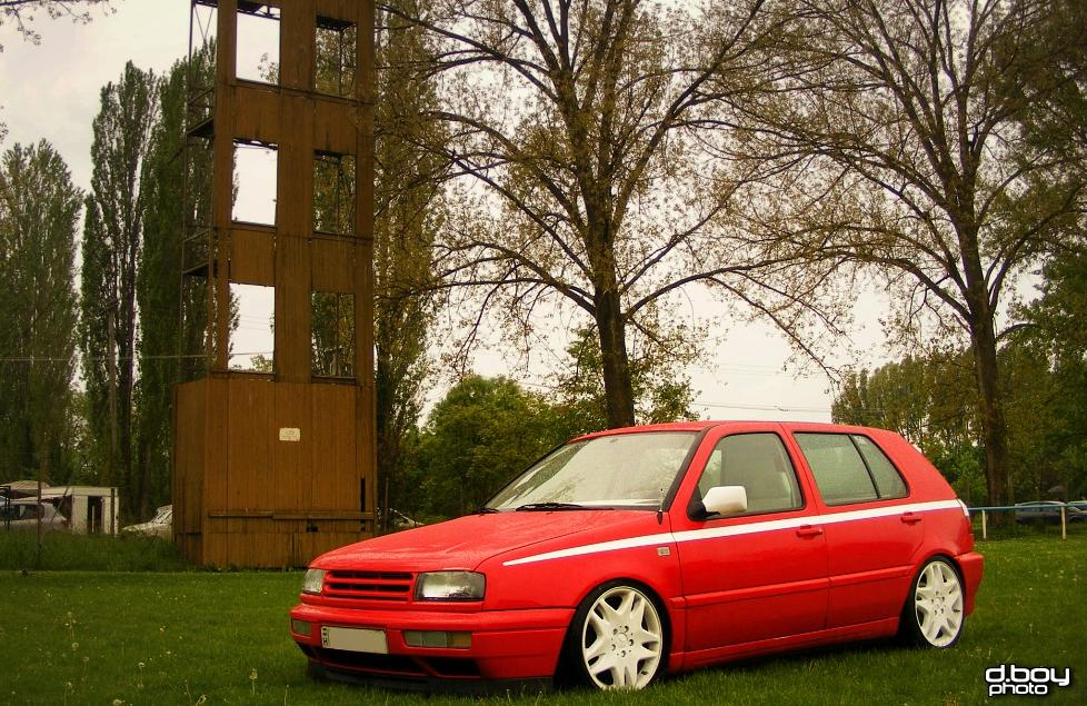 vw-golf-mk3-red-white-mercedes-wheels