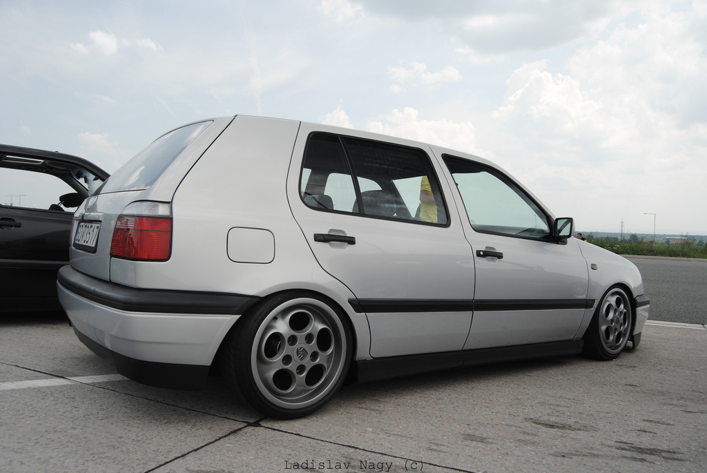 vw-golf-mk3-silver-porsche-wheels