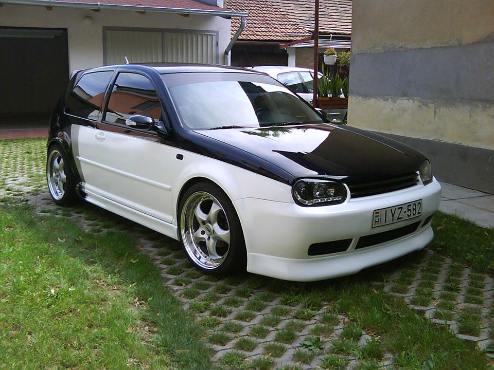 vw-golf-mk4-black-white