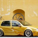 VW Golf Mk4 in gold metallic paint