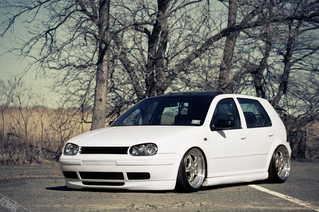 vw-golf-mk4-white-black-roof
