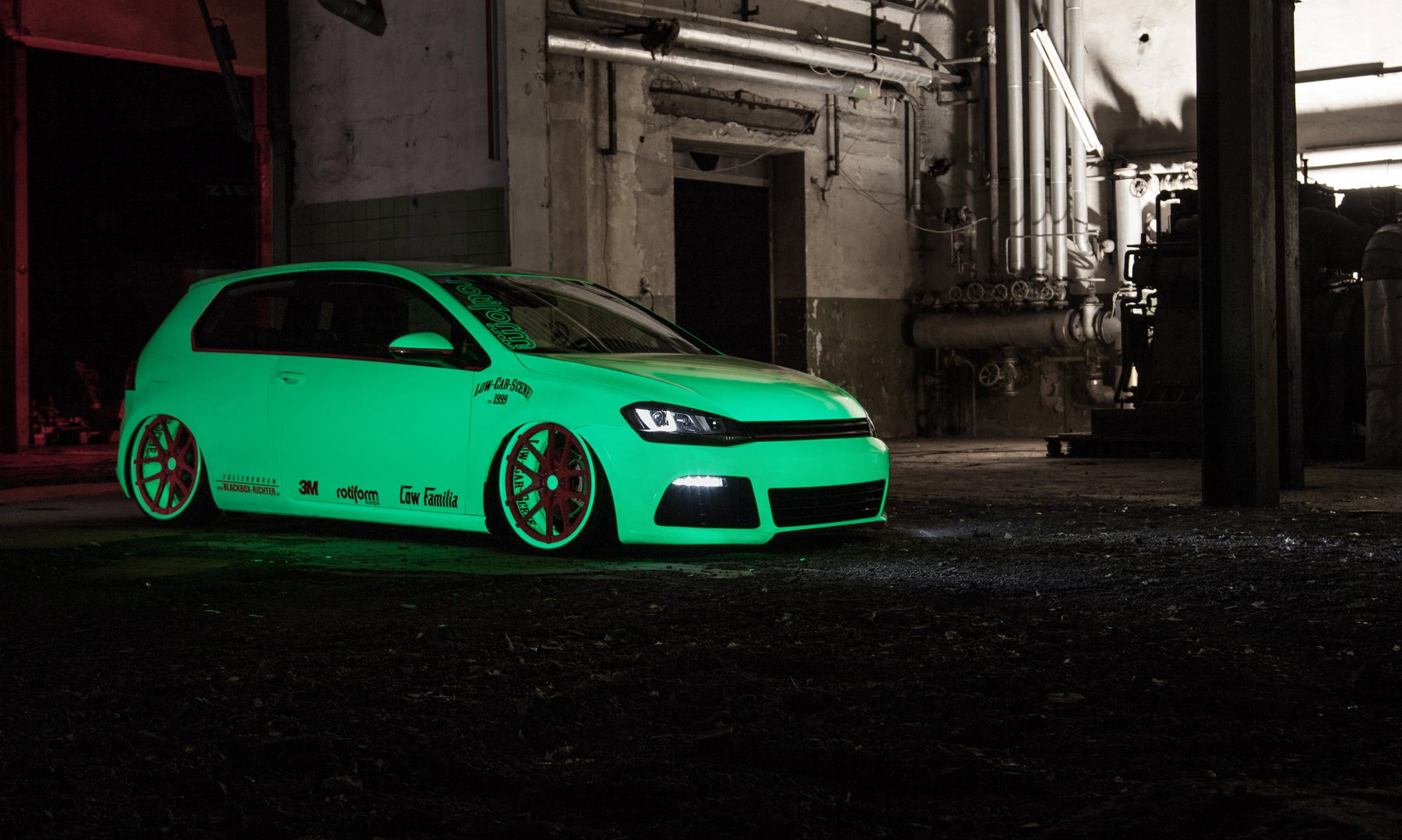 vw-golf-mk7-light-tron-neon-green
