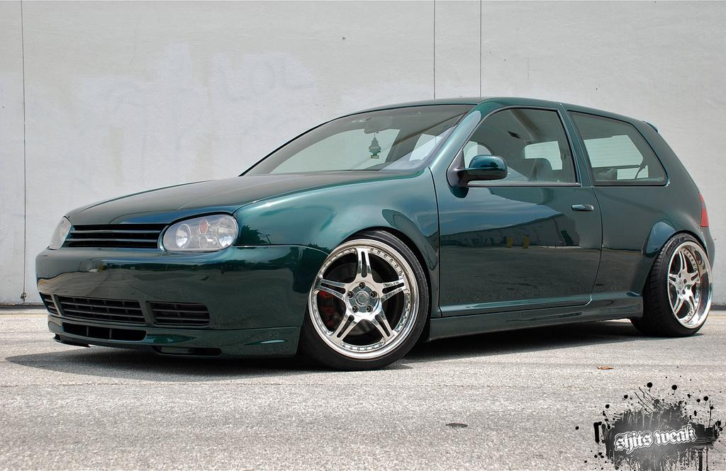 dark green vw mk4 with silver rims vw golf tuning. Black Bedroom Furniture Sets. Home Design Ideas