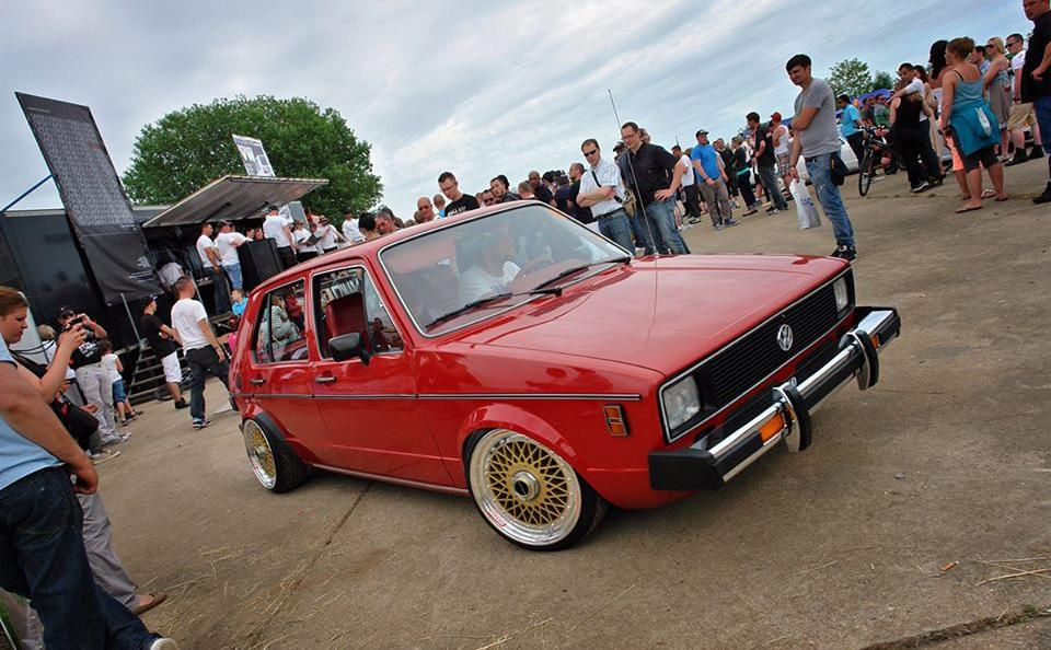 vw-red-mk1-golf-golden-wheels