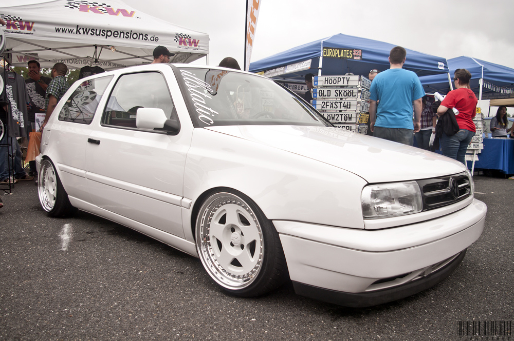 white-vw-golf-mk3-5star-wheels