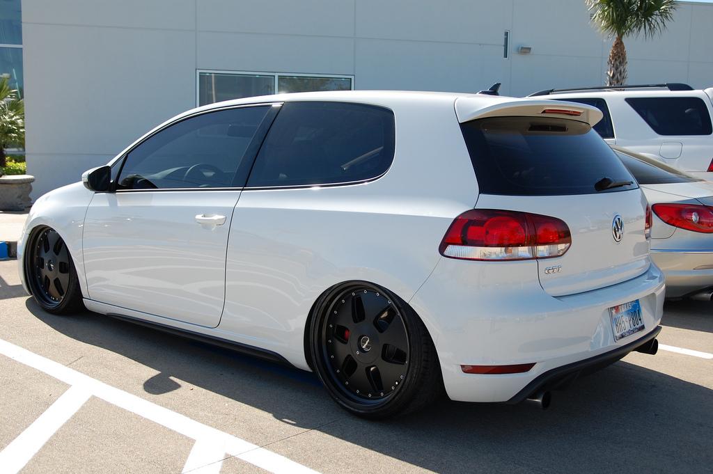 white-vw-gti-mk6-black-wheels
