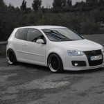White VW Golf Mk5 – Basti Adolphs