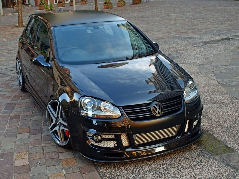 black-vw-golf-mk5-amg-wheels