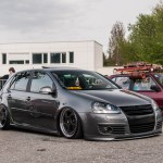 Metallic grey VW Golf Mk5 on black Porsche rims