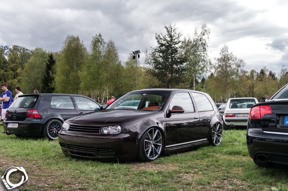 Black Vw Golf Mk4 On Black Wheels Vw Golf Tuning