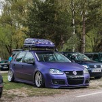 Violet colored VW Golf Mk5
