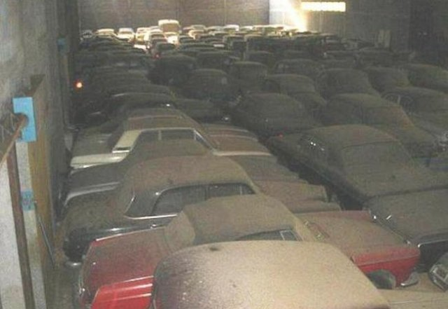 Carros De Venta En New York >> Man bought a farm and found 180 classic cars in a barn | VW Golf Tuning