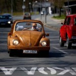 See That Guy In The Volkswagen Beetle? Well, Wait Til You Look Closer… It's Unbelievable.