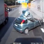 Video: This is why you do not change lanes blindly!