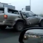 Video: Completely wrecked SUV cruises down the highway in Russia